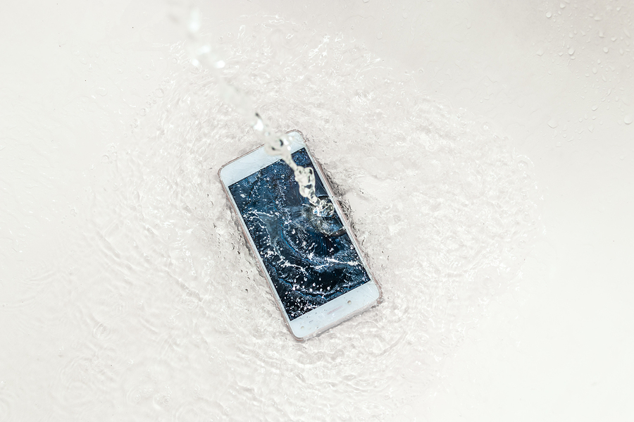 How to Dry Your Wet Phone to Prevent Damage